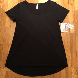 LuLaRoe Black Tee (New w/Tags)